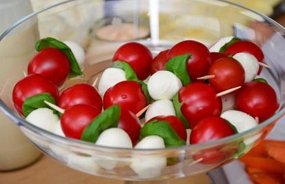 tomato-mozzarella-cocktailtomaten-mozarella-snack-38030