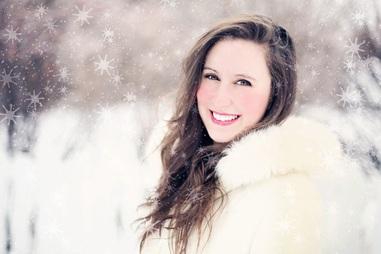 woman-snow-winter-portrait-40503